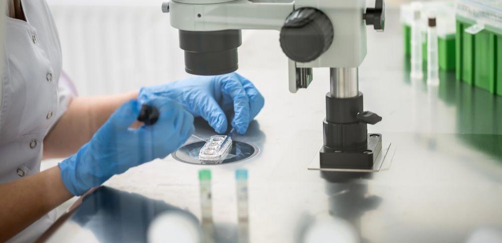 AIで男性不妊治療支援、培養士の負担軽減し効率的に精子を発見