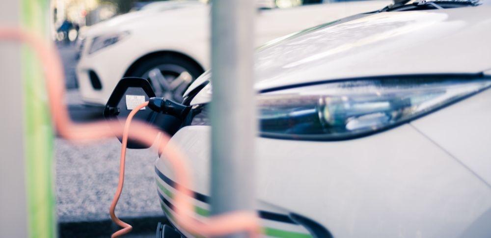 経済産業省「自動車産業時代戦略会議」開催、EV開発環境の整備を検討