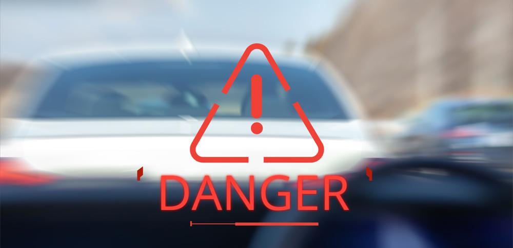 テスラ社事故で男性2人が死亡、運転席は無人状態か